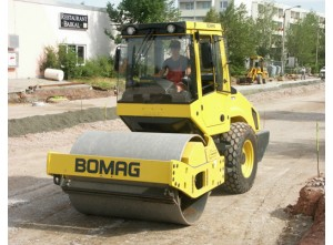 Дорожный каток Bomag