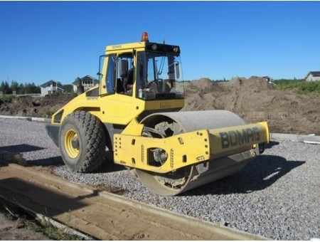 BOMAG BW213A